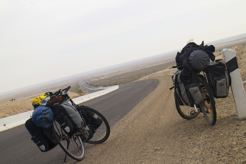Similar horizon, new cyclist to ride with.